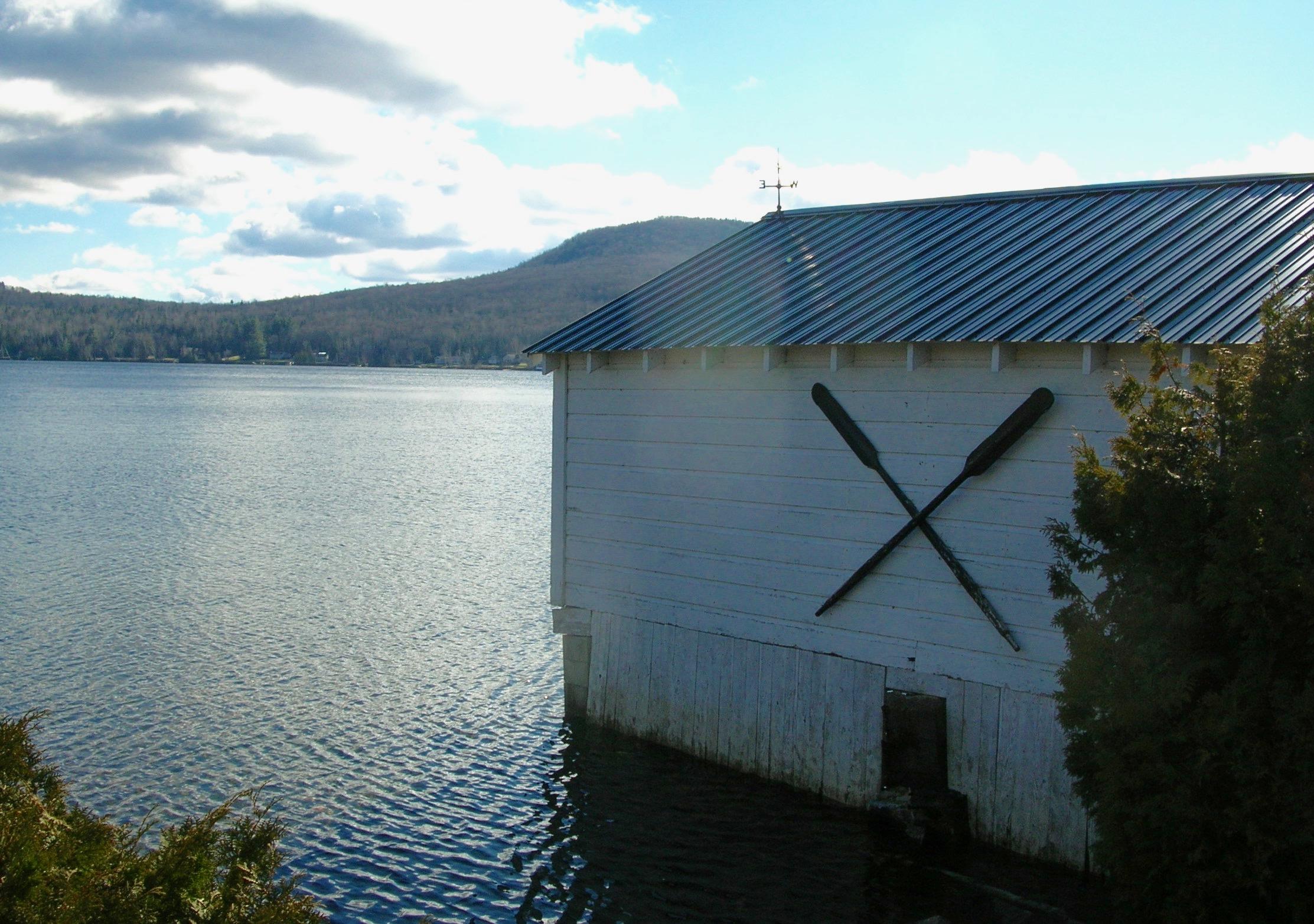 oars at lakeside