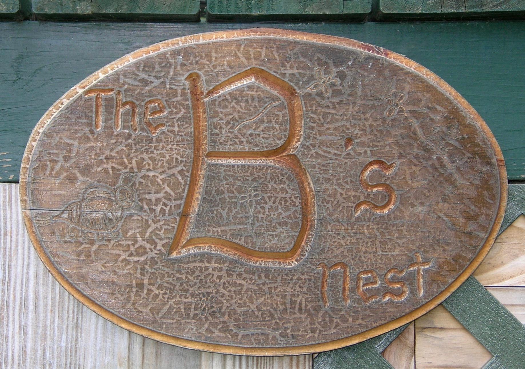 B's nest sign